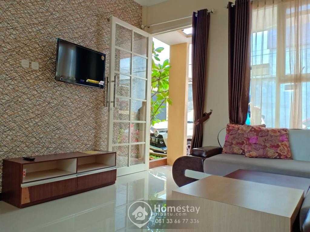 Villa Kolam Renang Kota Batu - 029