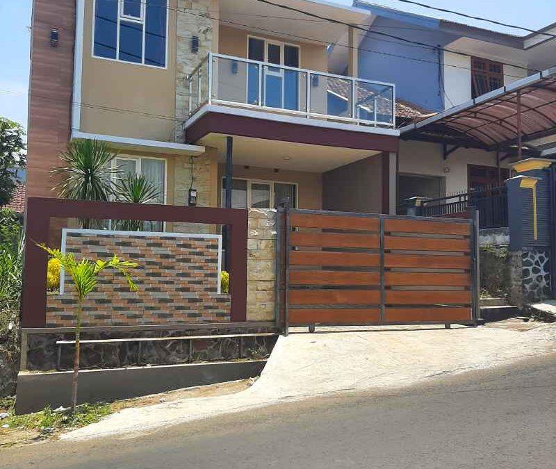 Villa Fasilitas Kolam Renang Di Batu Malang